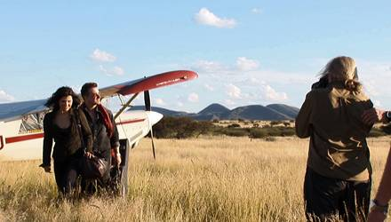Annie Leibovitz lichtete Bono und seine Frau Ali Hewson für Louis Vuitton in Afrika ab.