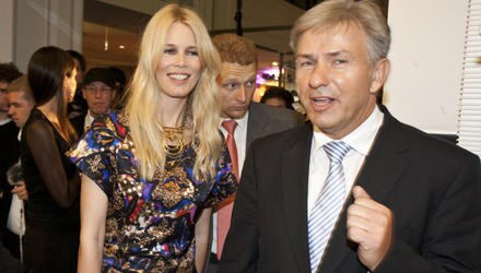 """Während der """"Fashion's Night Out"""" in berlin traf Claudia Schiffer unter anderem auf Bürgermeister Klaus Wowereit."""