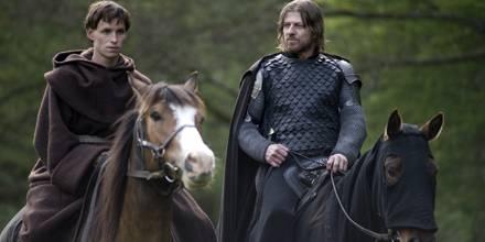 Osmund (Eddie Redmayne) und Ulric (Sean Bean) trennen zu Beginn ihrer Reise Welten in Sachen Fanatismus und Unbarmherzigkeit.