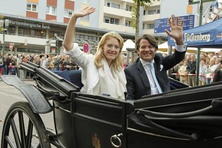 Nach der Trauung fuhr das Brautpaar im Kaiserwagen durch Donaueschingen.