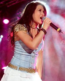Antonia aus Tirol bei ihrem Auftritt am Wochenende in Stuttgart: Die Sängerin hat sich von ihrem schweren Autounfall erholt.
