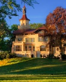 Der Charme des Schlosses Hubertushöh und die Impressionen der wunderschönen Natur schenken Ihnen traumhafte Momente.