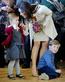 Prinzessin Mary mit den Kindern Isabella und Christian bei der Einweihung von Schloss Amalienburg.