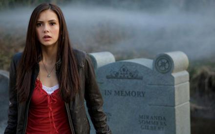 Die Vollwaise Elena bekommt es mit der Angst zu tun, als in ihrem Dorf plötzlich mehr und mehr seltsame Dinge geschehen.