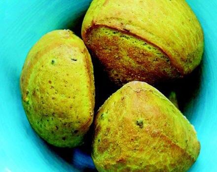 Brot ist mehr als ein Grundnahrungsmittel. Probieren sie mal Kurkuma-Ciabatta, ist auf jeder Party eine tolle Beilage.