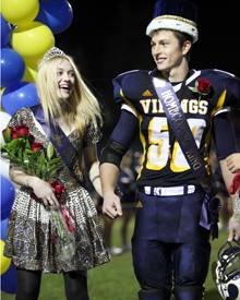 Dakota Fanning ist die neue Homecoming Queen der Campbell Hall Highschool in Hollywood.