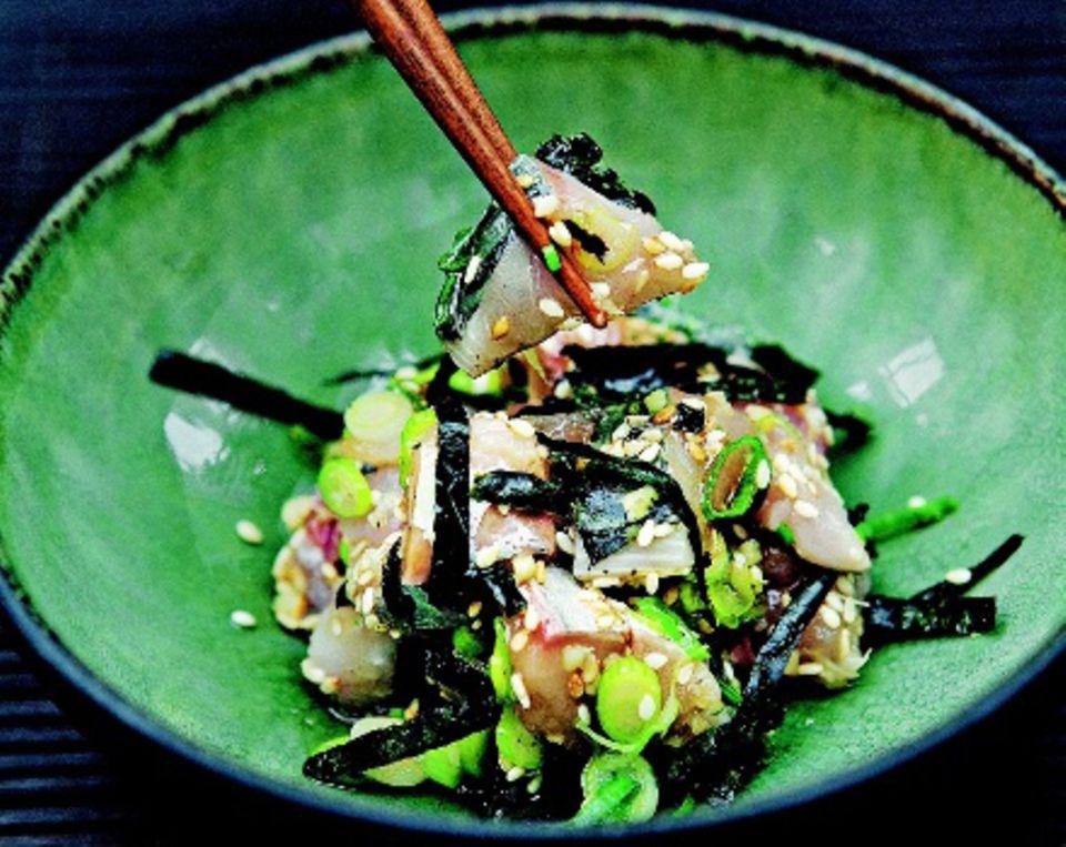 Sushi-Salat: Makrelen-Tataki