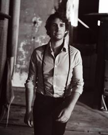 Josh Groban hat weltweit mehr als 25 Millionen Alben verkauft und gehört damit zu den erfolgreichsten US-Solokünstlern dieses Ja