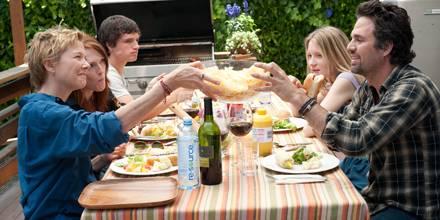 Liebe ist veränderlich, eine Familie mit all ihren Beziehungen erst recht: Annette Bening, Julianne Moore, Josh Hutcherson, Mia