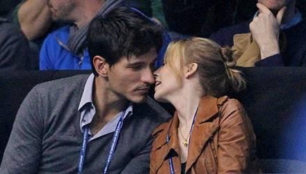 Spaß & Romantik: Kylie Minogue und ihr Model-Freund Andres Velencoso bei einem Tennismatch Ende November in London.