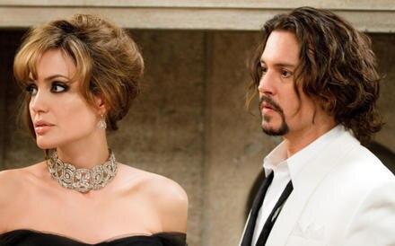 """Angelina Jolie und Johnny Depp als Agentin Elise Ward und Mathelehrer Frank Tupelo in """"The Tourist""""."""
