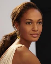 Top-Model Joan Smalls ist das neue Werbegesicht von Estée Lauder.