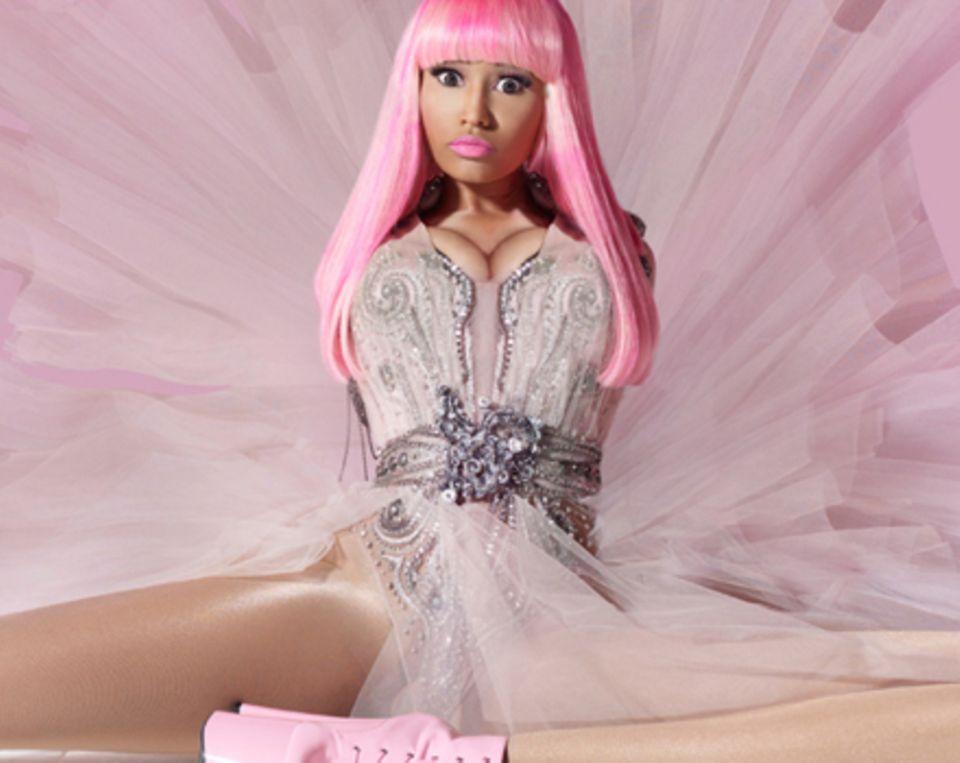 Knaller: Nicki Menaj treibt es bei ihren Outfits so bunt wie in ihren Songtexten.