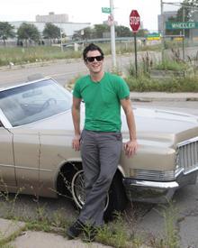 """Johnny Knoxville ist mit """"Palladium""""-Stiefeln  unterwegs in Detroit."""