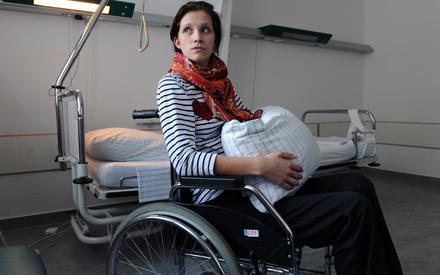 Anna-Maria Zimmermann hat noch einen langen Weg vor sich, bis sie sich von den Folgen des Unfalls erholt hat.