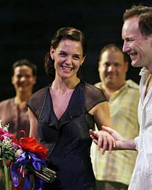Sie liebt das Theater, und sie liebt New York: Selten sah man Katie Holmes (mit Co-Star Patrick Wilson) so glücklich wie bei der