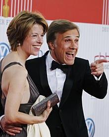 Die Kostümbildnerin Judith Holste aus Berlin, lernte Waltz 2001 bei einem TV-Dreh kennen. Die beiden haben eine siebenjährige To