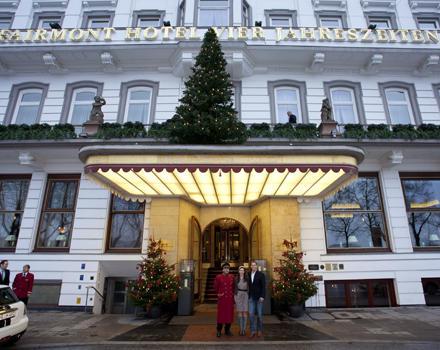 """Gala-Gewinn: Ein Traumwochenende im Hamburger Hotel """"Vier Jahreszeiten""""."""