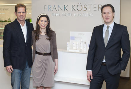 """Das Brautpaar-Styling übernahm Frank Köster vom """"La Biosthetique""""-Flagshipstore persönlich."""