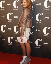Sophia Thomalla fällt auf der Fashion Week in Berlin mit ungleichem Schuhwerk auf.
