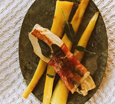 Forellen-Saltimbocca mit Pastinaken