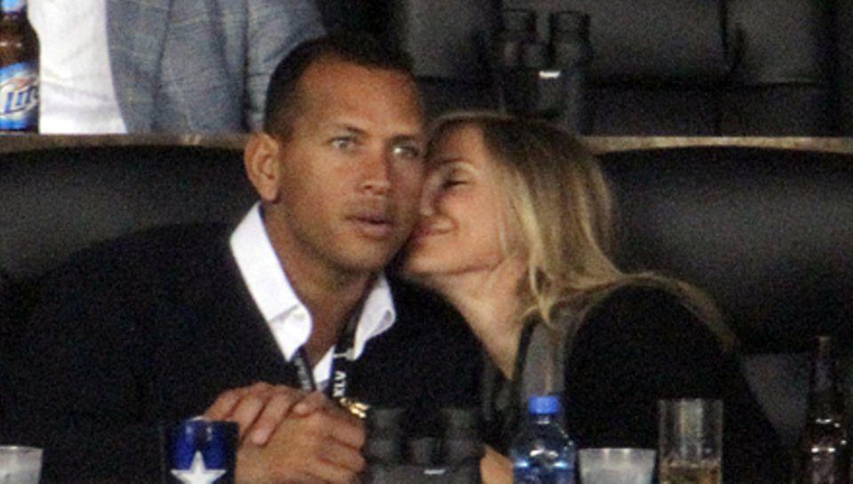 Diese Szene hatte ein Nachspiel: Kürzlich beim Super Bowl sucht Cameron Diaz auf der Tribüne A-Rods Nähe. Die Stadionkamera fäng