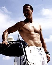 Mit 42 Jahren immer noch in Bestform: Michael Schumacher posiert für das Schweizer Modelabel Jet Set
