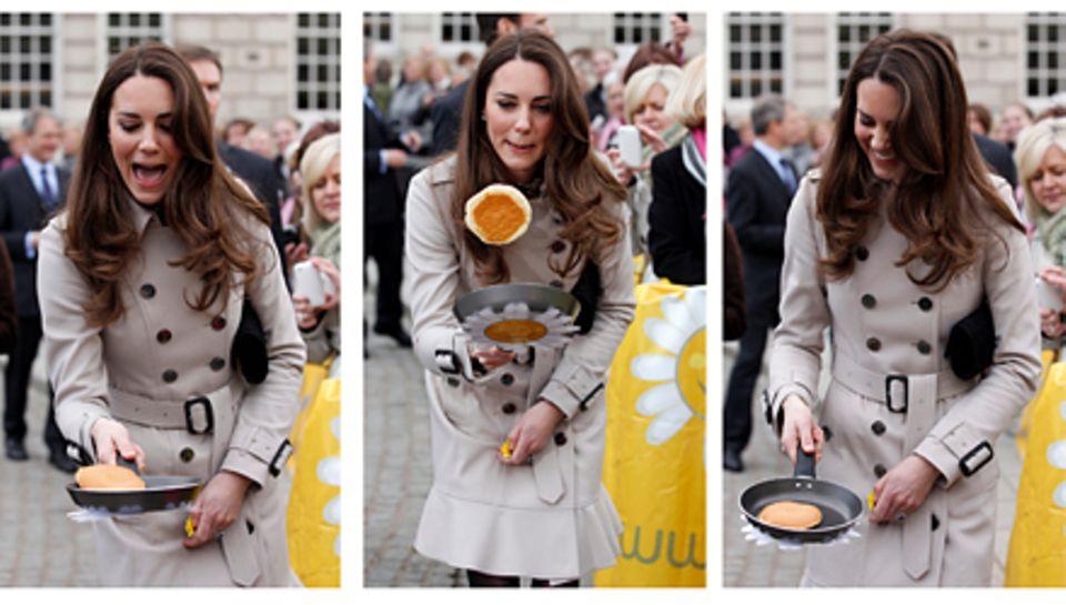 Beherzt greift Kate in Belfast zur Pfanne - eine typische Aktion am Tag vor Aschermittwoch, in Großbritannien auch Pfannkuchenta