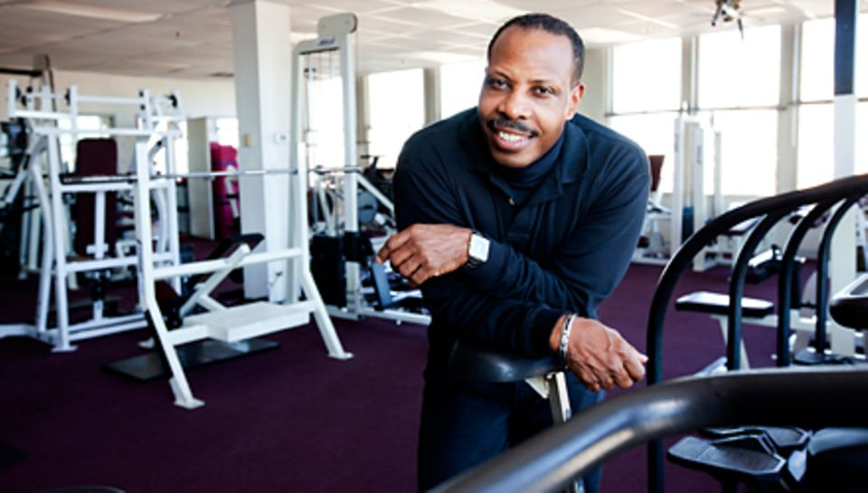 "Cornell McClellan, 54, in seinem Fitnessstudio ""Naturally Fit"" in Chicago"