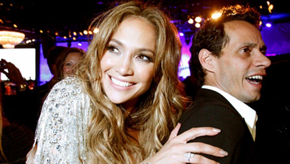 Wo immer die beiden auftauchen, stehen sie im Mittelpunkt, hier bei einem Ball-Besuch in Beverly Hills. J.Lo hat zwar die größer