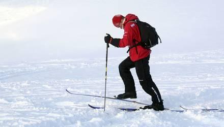 Prinz Harry hat mit dem Training für die Nordpol-Expedition begonnen. In Norwegen war die Presse zu Gast.