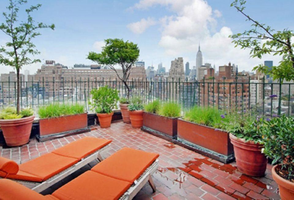 Von der großzügigen Dachterrasse aus kann Jennifer Aniston einen 180 Grad Ausblick auf New York genießen.