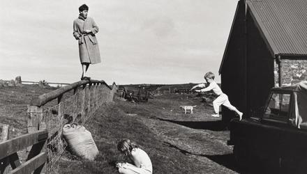 Familienidylle: Paul und die Kinder Stella und James 1982 in Schottland.