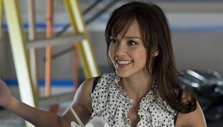 Schamlos wirft sich die aufgedrehte Pharmavertreterin Andi Garcia (Jessica Alba) dem armen Greg (Ben Stiller) an den Hals.