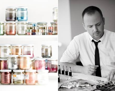 Peter Philips ist der kreative Kopf hinter den Chanel- Make-ups. Er mischt überall mit – bis hin zu einzelnen Pigmenten. Sein Zi