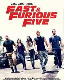 """Kassenerfolg: """"Fast & Furios Five"""" mit den breitschultrigen Hauptdarstellern Vin Diesel und Paul Walker."""