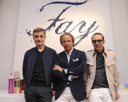 Roberto Rimondi, Vizepräsident der Tod's-Gruppe Andrea Della Valle und Tommaso Aquilano freuen sich über die Zusammenarbeit für