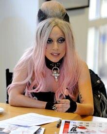 """Besuch der amtierenden Queen of Pop: Mitte Mai spielte Lady Gaga bei der britischen Gratiszeitung """"Metro"""" für einen Tag Chefreda"""