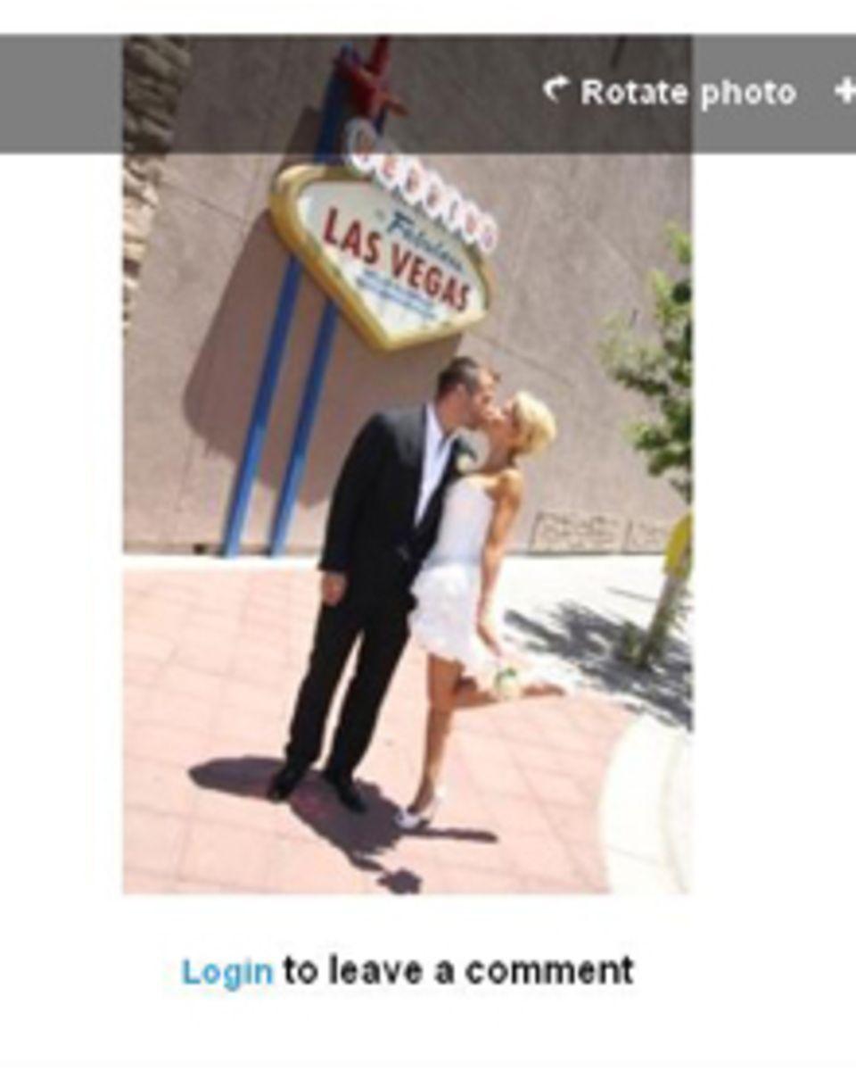 Sylvie van der Vaart und ihr Mann Rafael vor der Kapelle in Las Vegas.