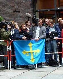 Zahlreiche Pressevertreter wollten einen Blick auf Felipe und Letizia erhaschen.