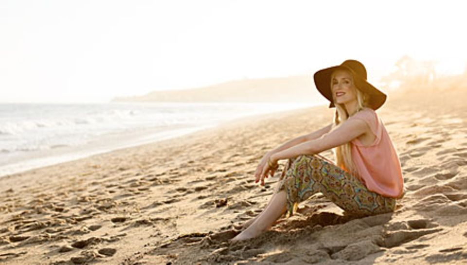 Einer der schönsten und begehrtesten Orte der Welt: Ariane Sommer am Beach der Malibu Colony, in der Stars wie Tom Hanks, Jim Ca