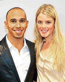 Zweimal 1,74 Meter: Formel-1-Star Lewis Hamilton (in Boss Black) mit GALA-Redakteurin Anna-Lena Koopmann.