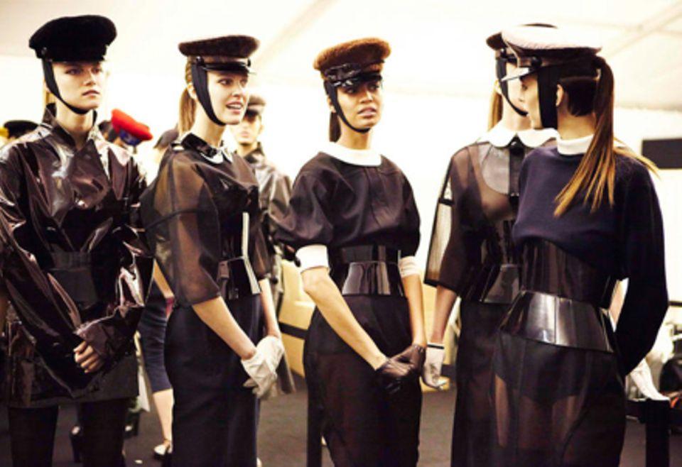 Impressionen von der Fashion Week in Paris: Warten auf den Auftritt