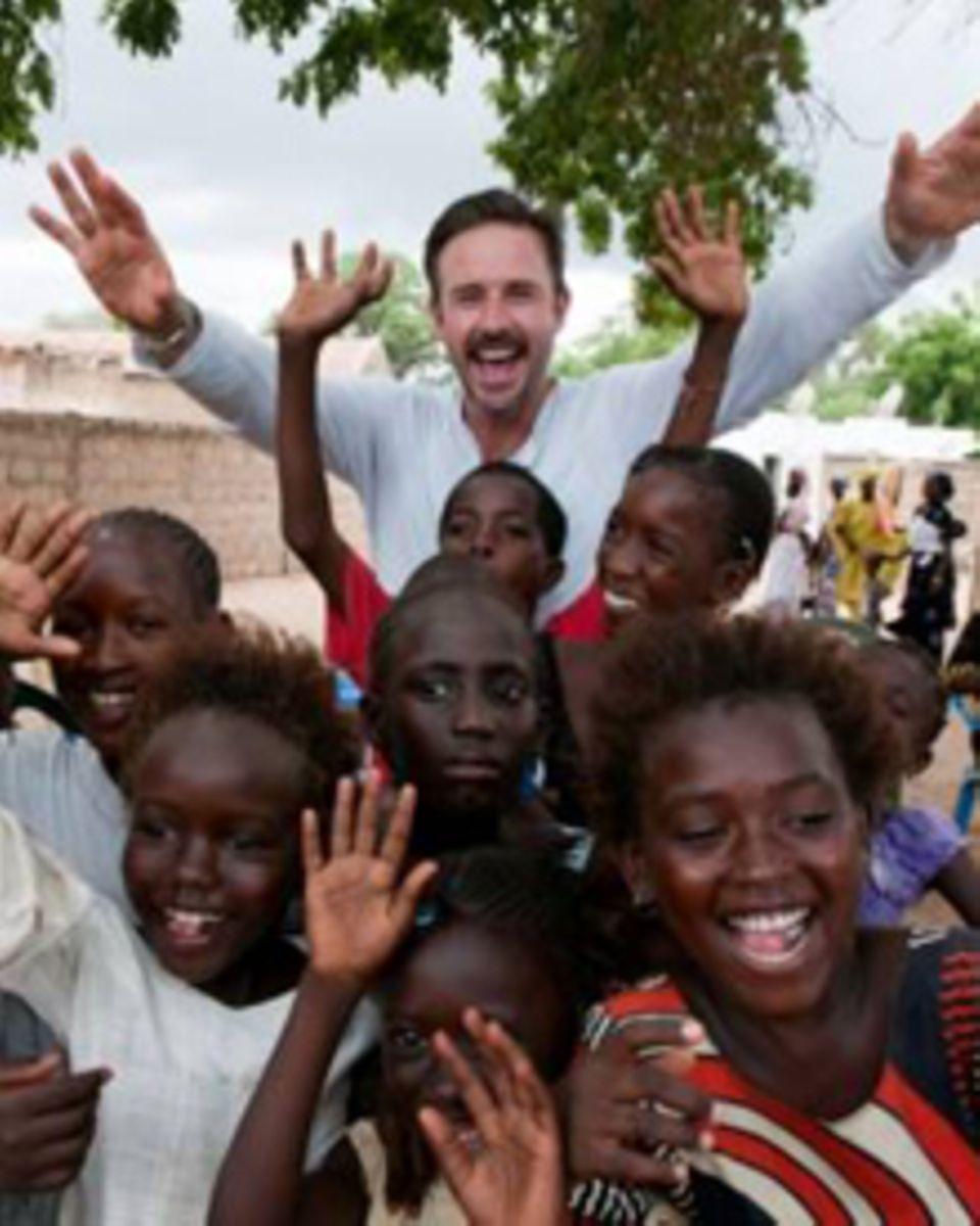 David Arquette unterstützt die Menschen im Senegal in ihrem Kampf gegen Malaria.