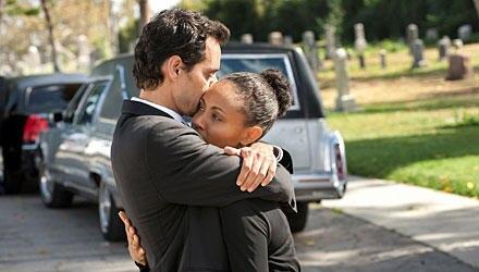 """Ganz schön nah: Jada Pinkett Smith und Marc Anthony in ihrer Krankenhaus-Serie """"Hawthorne"""". Nach einigen Gastauftritten gehört e"""