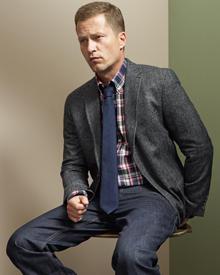 Mit diesem bürotauglichen Outfit seiner ersten eigenen Kollektion dürfte Til Schweiger auch gerne mal im Redaktionsbüro von Gala