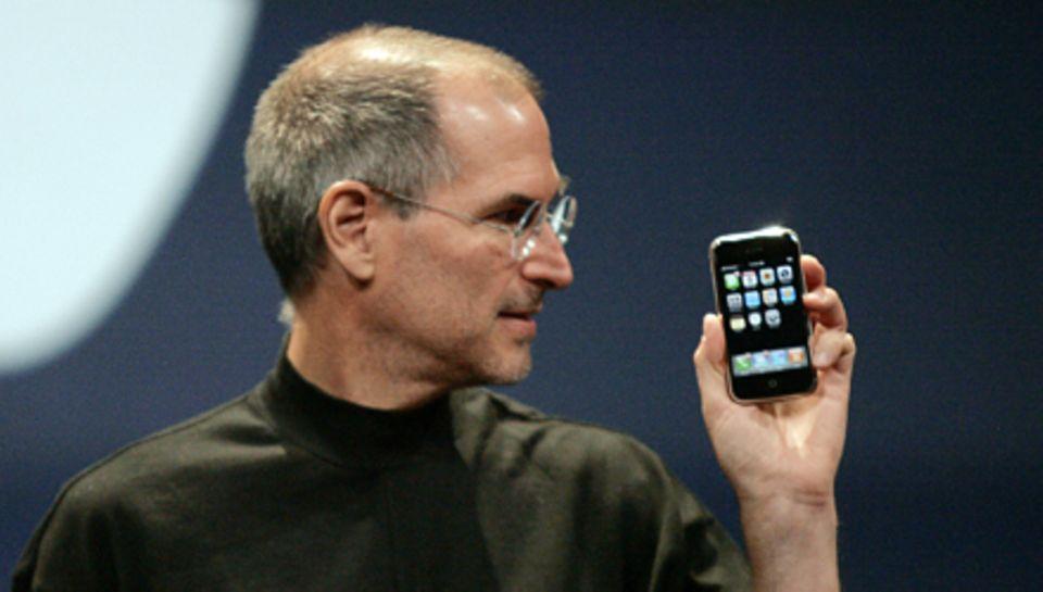 Wann immer Steve Jobs eine Neuheit vorstellte, jauchzten weltweit seine Jünger, so zum Beispiel 2007 bei der Präsentation des er