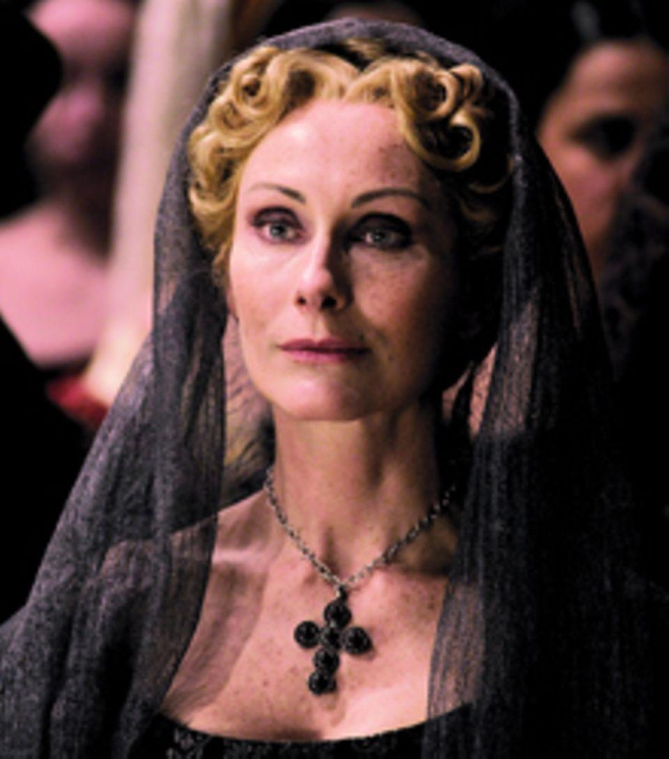 """Andrea Sawatzki ist die bekannteste Darstellerin in """"Borgia"""". Sie ist ab dem 17.10. (ZDF, 20.15 Uhr) als Adriana de Mila, die ei"""
