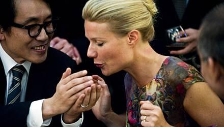"""In Steven Soderberghs Endzeit-Thriller """"Contagion"""" (jetzt im Kino) hat Gwyneth Paltrow einige Hochkaräter an ihrer Seite: Matt D"""