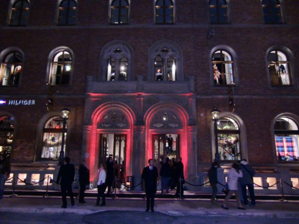 Ein bißchen New-York-Flair: Tommy Hilfiger eröffnet seinen Flagship Store in der wunderschön restaurierten Alten Post in Hamburg